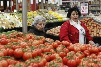 Australia retailing, inflation slowdown a red flag for rates