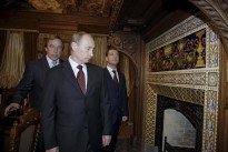 Russia's Putin: Friend named in Panama Papers not corrupt
