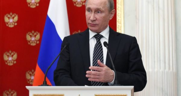 Putin discusses Crimea security after alleged Ukrainian incursions