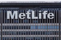 U.S. government, MetLife set for rematch over `too big to fail`