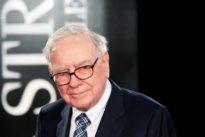 Buffett scorns tricky Wall Street accounting, but defends buybacks