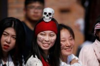 Disney`s `Pirates` rolls out red carpet for rare China premiere