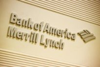 Merrill Lynch to freeze costly recruiting bonuses for brokers