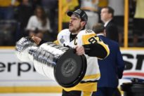 Crosby cements legacy with consecutive Stanley Cup wins