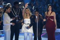 Factbox: Key winners at the 2017 MTV Video Music Awards