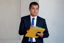 Firm economic growth to ease French budget balancing act: ministers