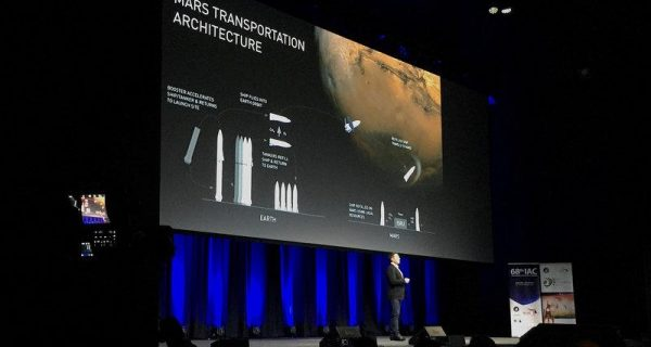 Musk shrinks SpaceX Mars rocket to cut costs
