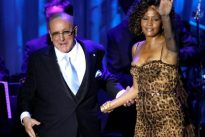 Music mogul Clive Davis tells of heartbreak over Whitney Houston death