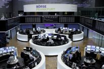 European shares stay near highs as Spanish sell-off eases