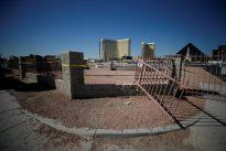 U.S. gun lobby agrees to examine `bump stocks` after Las Vegas massacre