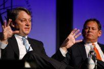 Ivascyn`s Pimco Income fund surpasses $100 billion despite fee hike: sources