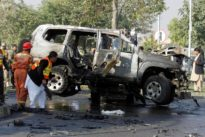 Suicide attack kills a top Pakistani police officer: official