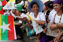 Pope begins Myanmar trip in shadow of Rohingya crisis