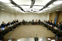 Syrian negotiator threatens to pull out of Geneva talks