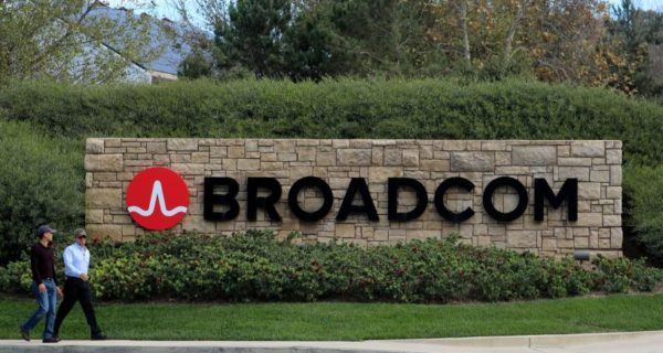 Broadcom set to unveil challenge to Qualcomm's board: sources