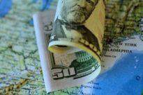 Dollar dips against yen- bitcoin surges again