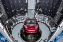 SpaceX Falcon Heavy poised for debut test launch, with Tesla Roadster