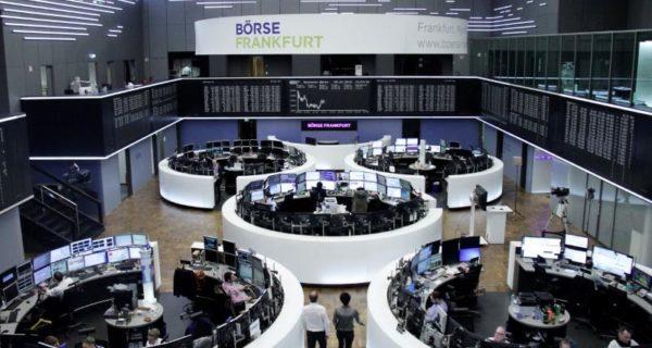 U.S. earnings hopes and trade war lull keep world shares near…