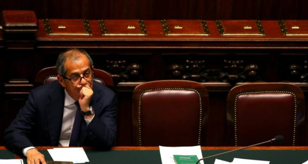 Italy calls for risk-sharing in euro zone banking union