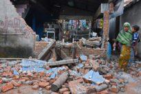Tourists flee Indonesia's Lombok island after quake kills 91