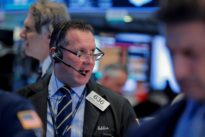U.S. stock fund investors show no fear of King Dollar