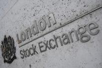 European markets dip as trade war pessimism weighs again