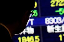Asia stocks lifted by China-U.S. trade hopes- oil resumes retreat