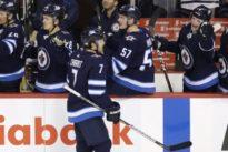 NHL roundup: Blackhawks, Crawford blank Blues
