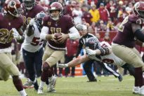 NFL notebook: Redskins QB Smith sustains ugly injury