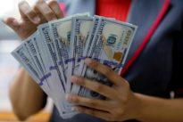 Speculators' net long dollar bets grow in latest week: CFTC, Reuters