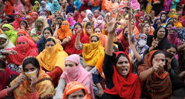 Bangladesh police use tear gas, water cannons on protesting garment…