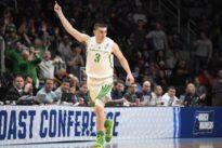 Pritchard, Oregon overcome UC Irvine to reach Sweet 16