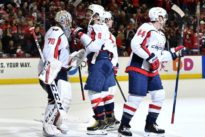 NHL roundup: Caps sweep Flyers, keep division lead