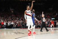 Trail Blazers' Hood 'day-by-day' with knee injury