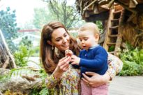 Back to nature: UK Duchess Kate shows off garden skills at Chelsea…