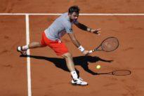 Wawrinka battles past Tsitsipas, Federer and Nadal dazzle