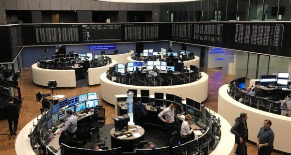 Daimler warning pressures European shares, eyes on G20