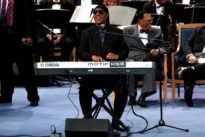 Stevie Wonder tells London concert he will have a kidney transplant