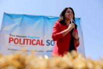 Parade of Democratic 2020 hopefuls push for momentum in Iowa