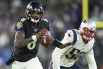 NFL roundup: Jackson, Ravens hand Patriots first loss
