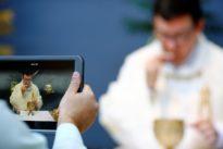 From an empty church, Venezuela cardinal leads Instagram Easter Mass